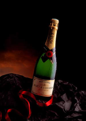 http://www.galerie-photo.com/images/petite-bouteille-champagne.jpg